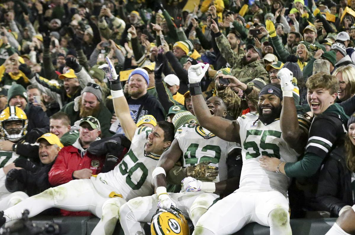 Packers celebrate win over Lions