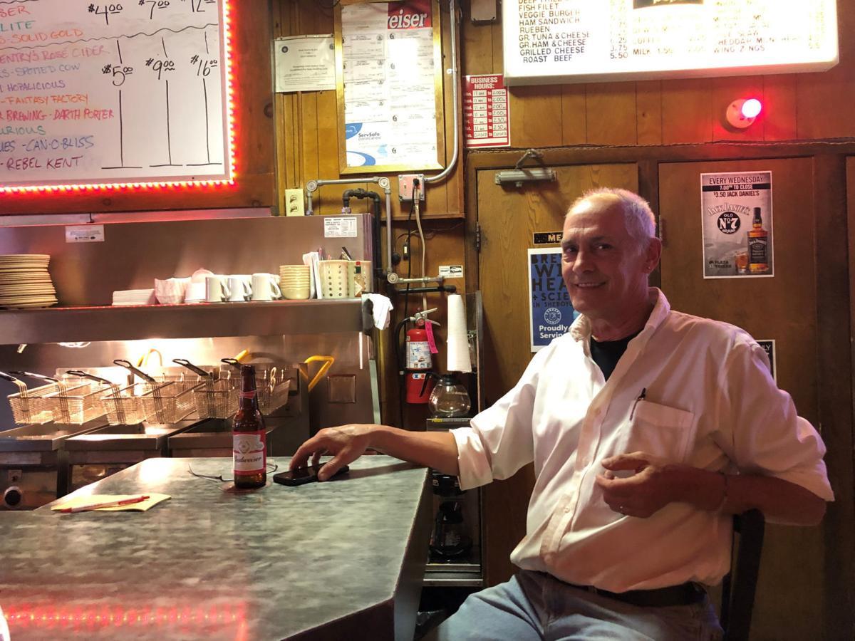 Dean Hetue Plaza Tavern