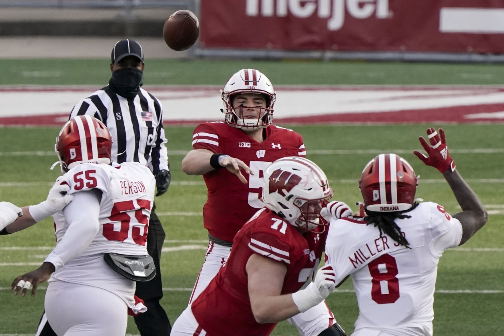 Missed connection: Wisconsin Badgers' comeback effort denied as ...