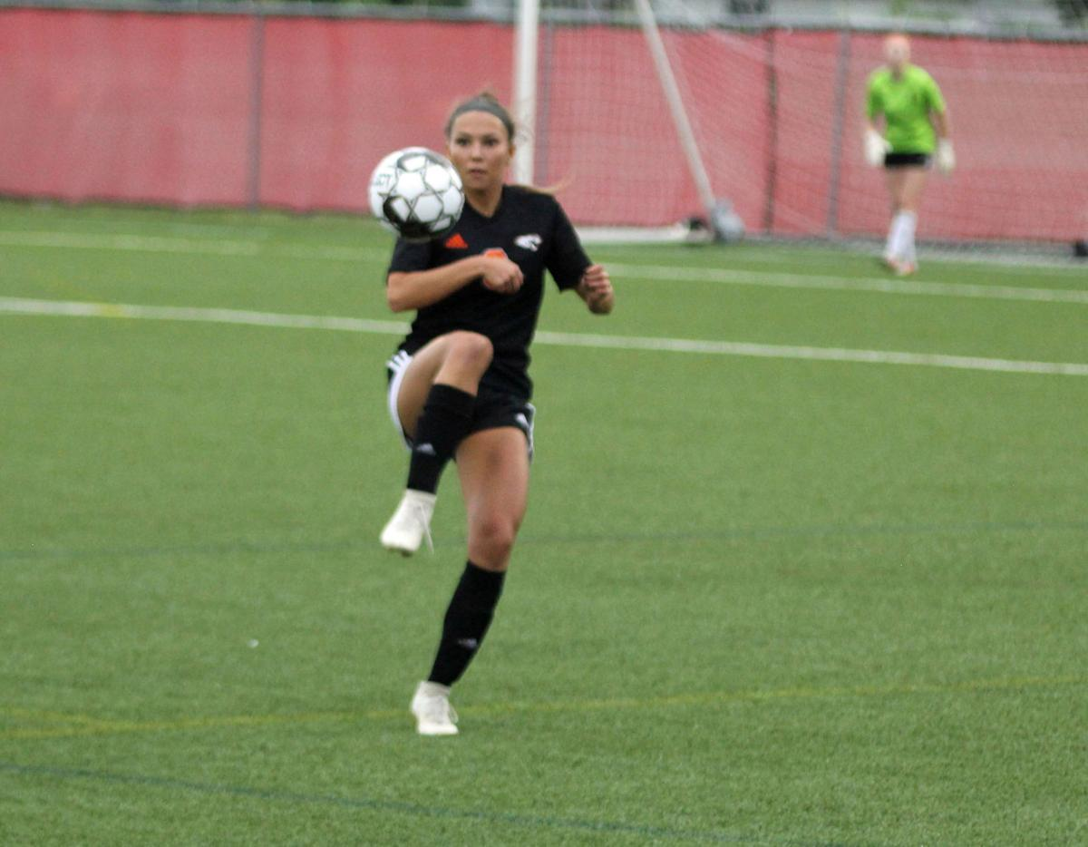 WIAA state girls soccer photo: Oregon's Jaelyn Nedelcoff