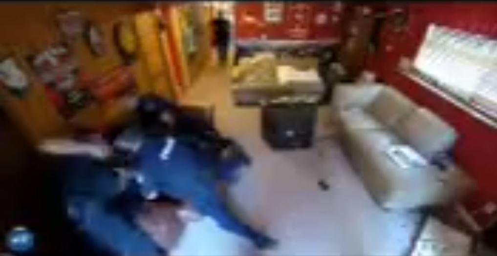 Madison police restraining teenager