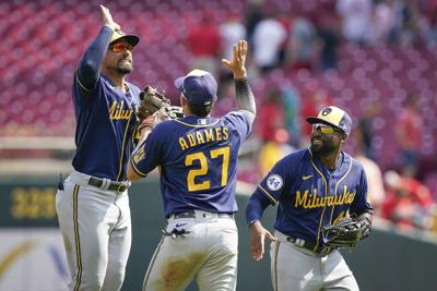 brewers photo 7-19