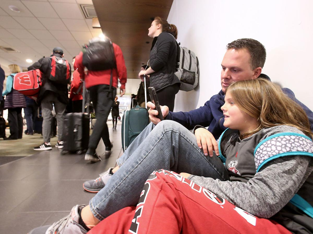 Highway, airport delays likely as Thanksgiving travel