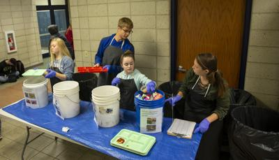 Lunchroom leftovers make for 'eye-opening' science project