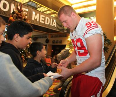 NFL mock drafts: Most have UW's Watt late first, early second round
