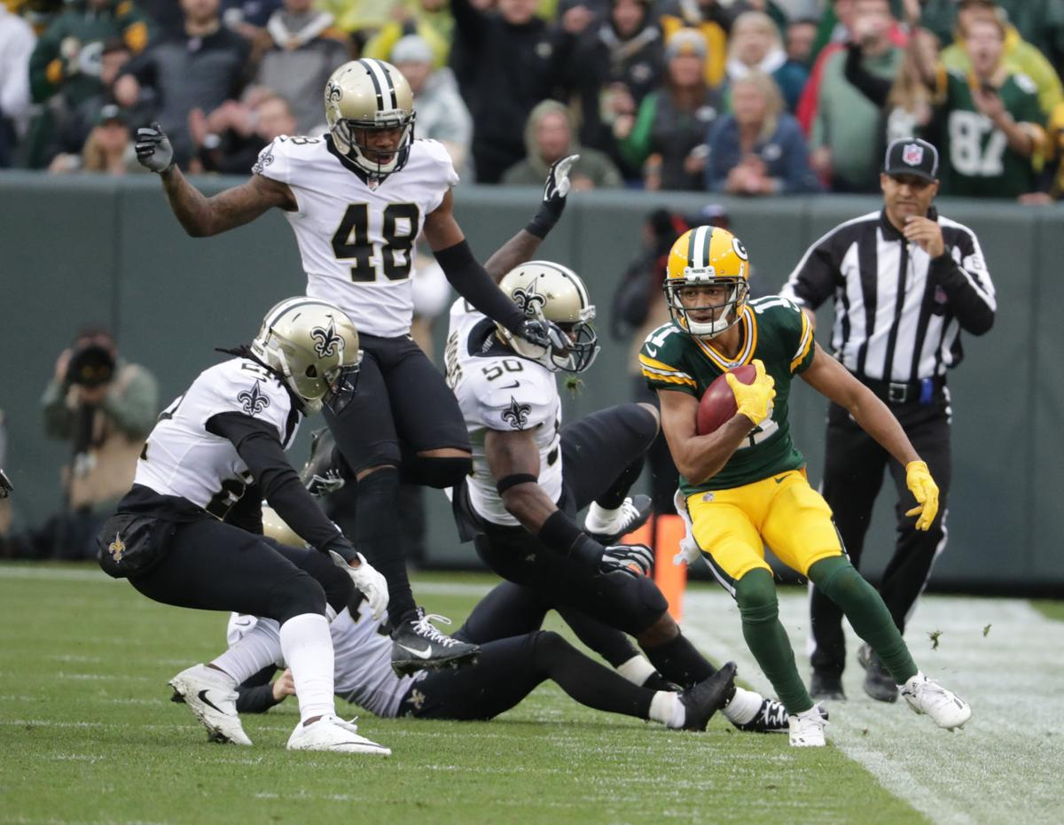 Davis kick return for cover