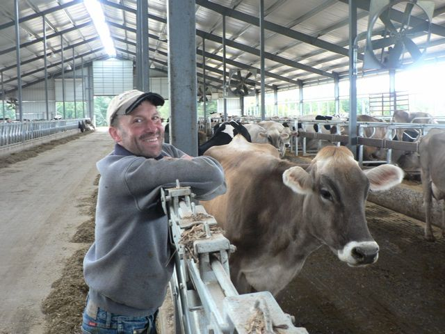 Cross Country Free Stall Barn Helps Farming Family Move Forward