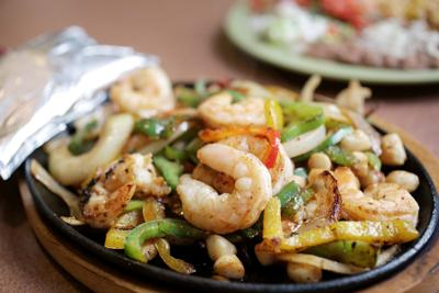 shrimp and scallop fajitas