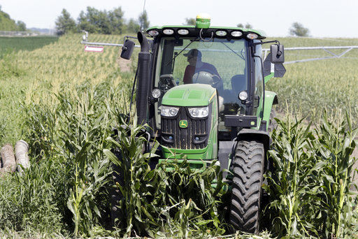 Farmers applaud federal help but want trade deals done (copy)