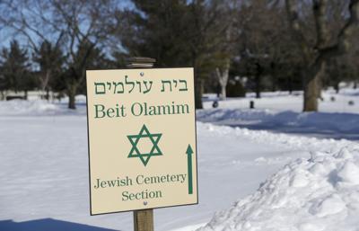 2019-02-15-Jewish Cemetery 1-02152019120559