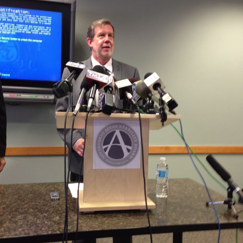 Kevin Kennedy at podium (copy)