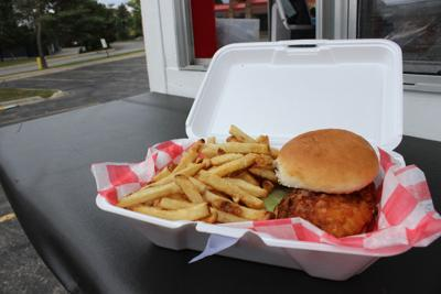 Let's Eat: Little Red Barn food cart keeps the sliders
