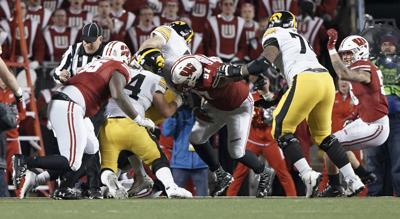 Badgers defense steps up to stop Hawkeyes QB Nate Stanley on key two-point conversion attempt