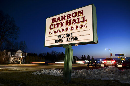 Barron sign welcoming Jayme Closs home