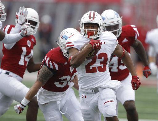Jonathan Taylor runs against Indiana, AP photo