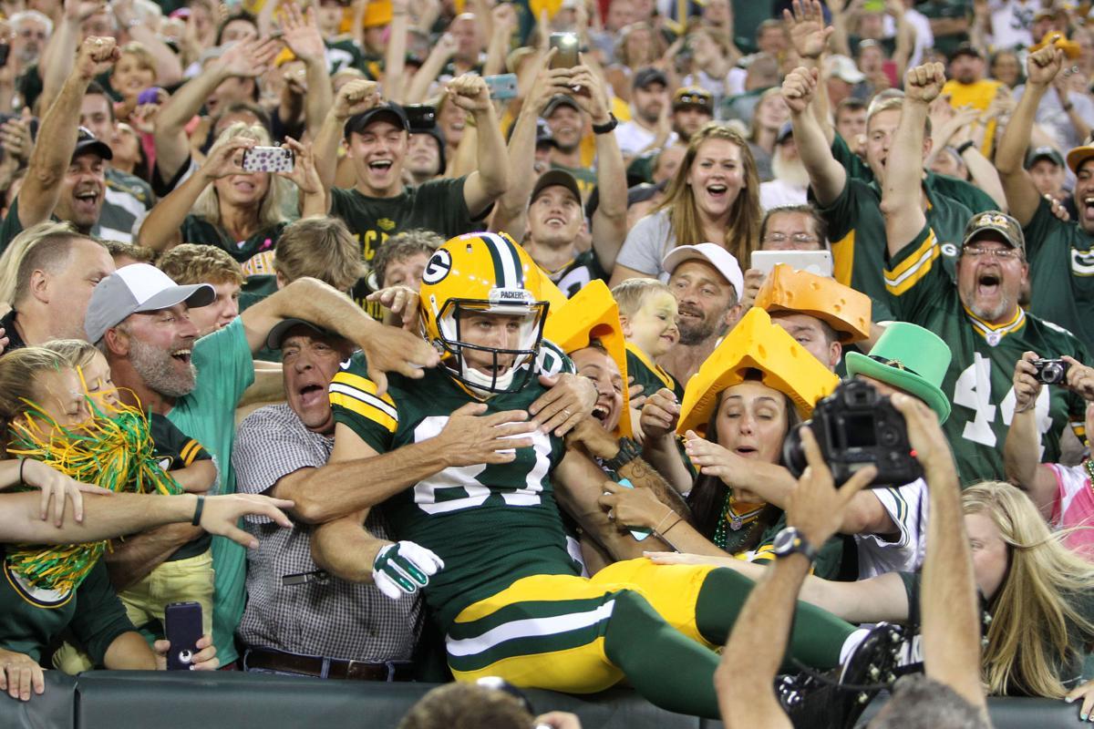 Jordy Nelson Lambeau Leap, AP photo