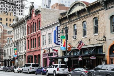 Cities such as Austin, Texas, pictured here, provide flexibility to change jobs and meet partners and friends.