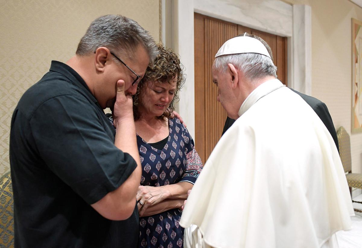 Beau Solomon parents with pope