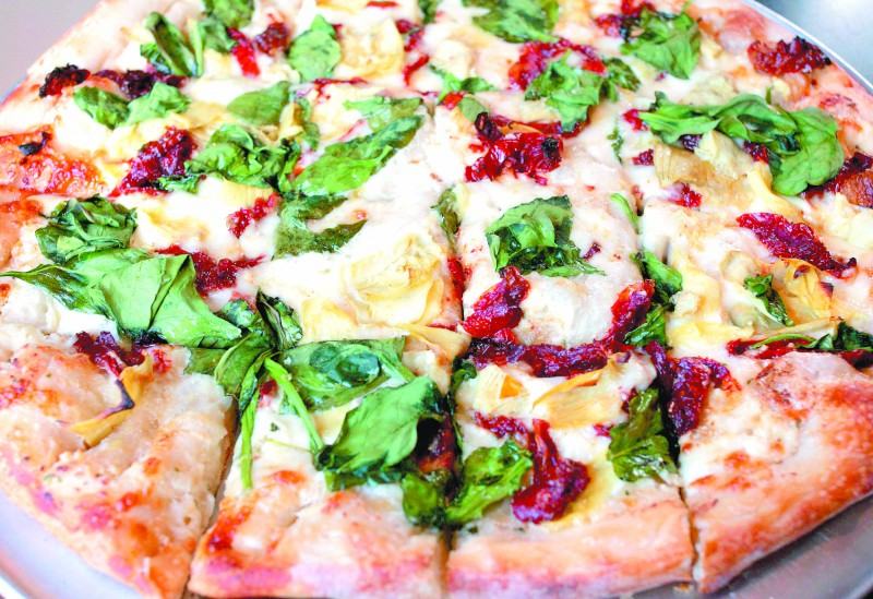 Pizza at Echo Tap proves it\'s more than just a burger-and-beer joint ...