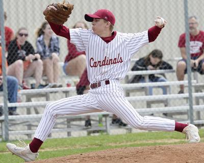Verona-at-Middleton-Wisconsin-baseball-03-G2V0081-04152017171034