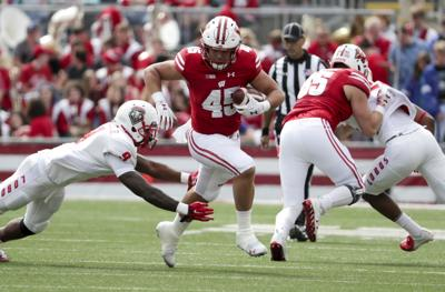 Badgers fullback Alec Ingold comes up big as Wisconsin beats New