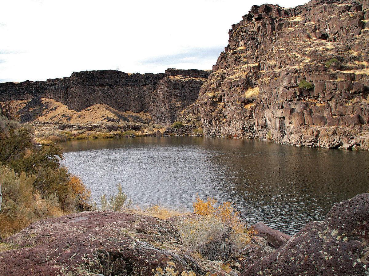 Vineyard Lake