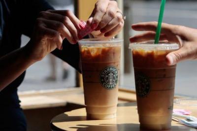 Starbucks' Buy One, Get One Free Iced Beverage Deal