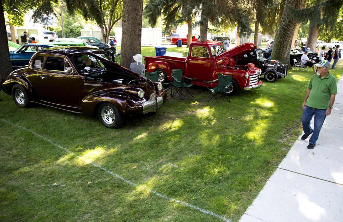 Photo Gallery: Joe Mama's Car Show Brings Classic Cars To