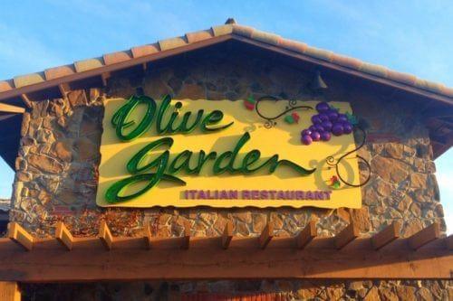 olive garden has a new chocolate chunkin pumpkin cheesecake - Olive Garden Pumpkin Cheesecake
