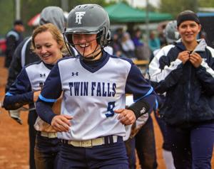 PHOTOS: A cold district title win for Twin