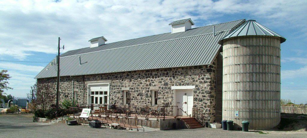 Mountain View Barn