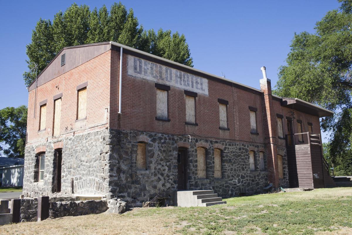 The Declo Hotel