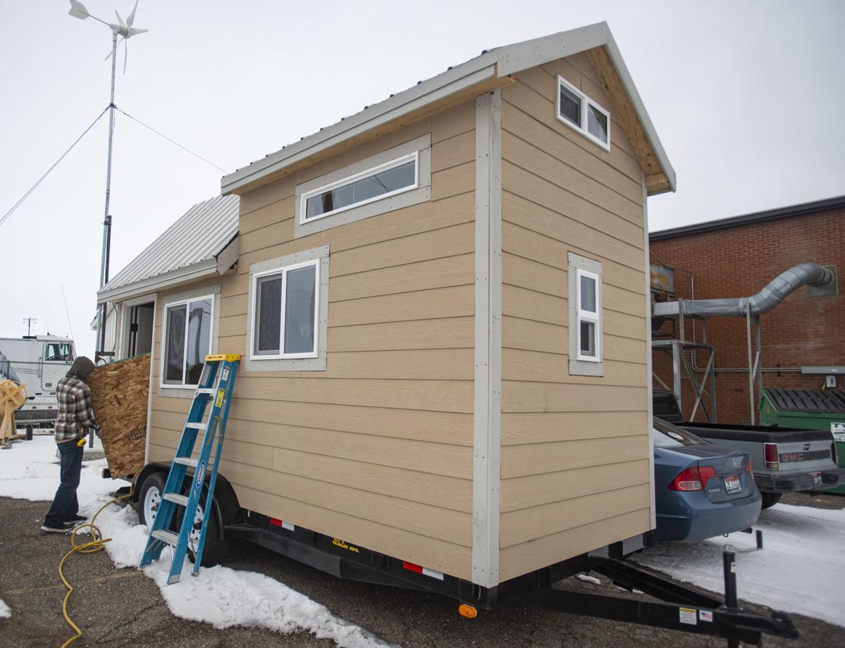 Students build tiny house