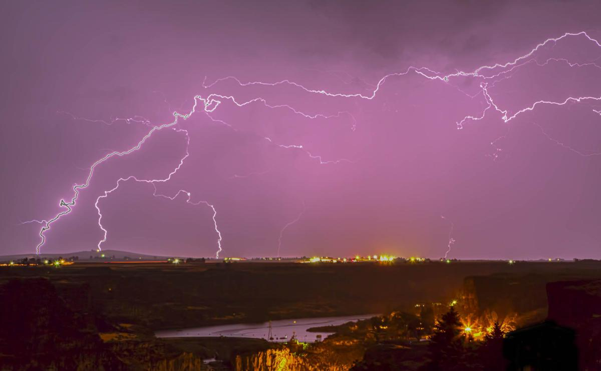 Lightning storm over Twin Falls