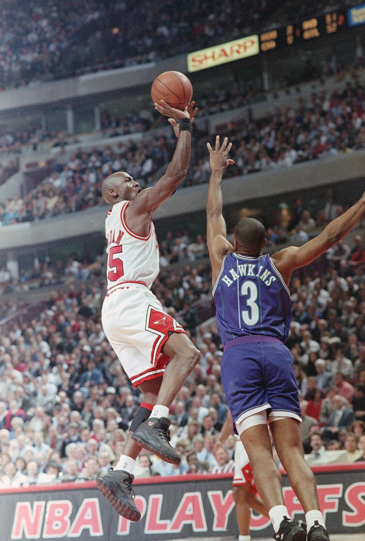 1995: Michael Jordan scores 48 in first