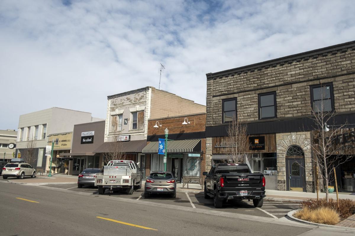 Main Avenue East