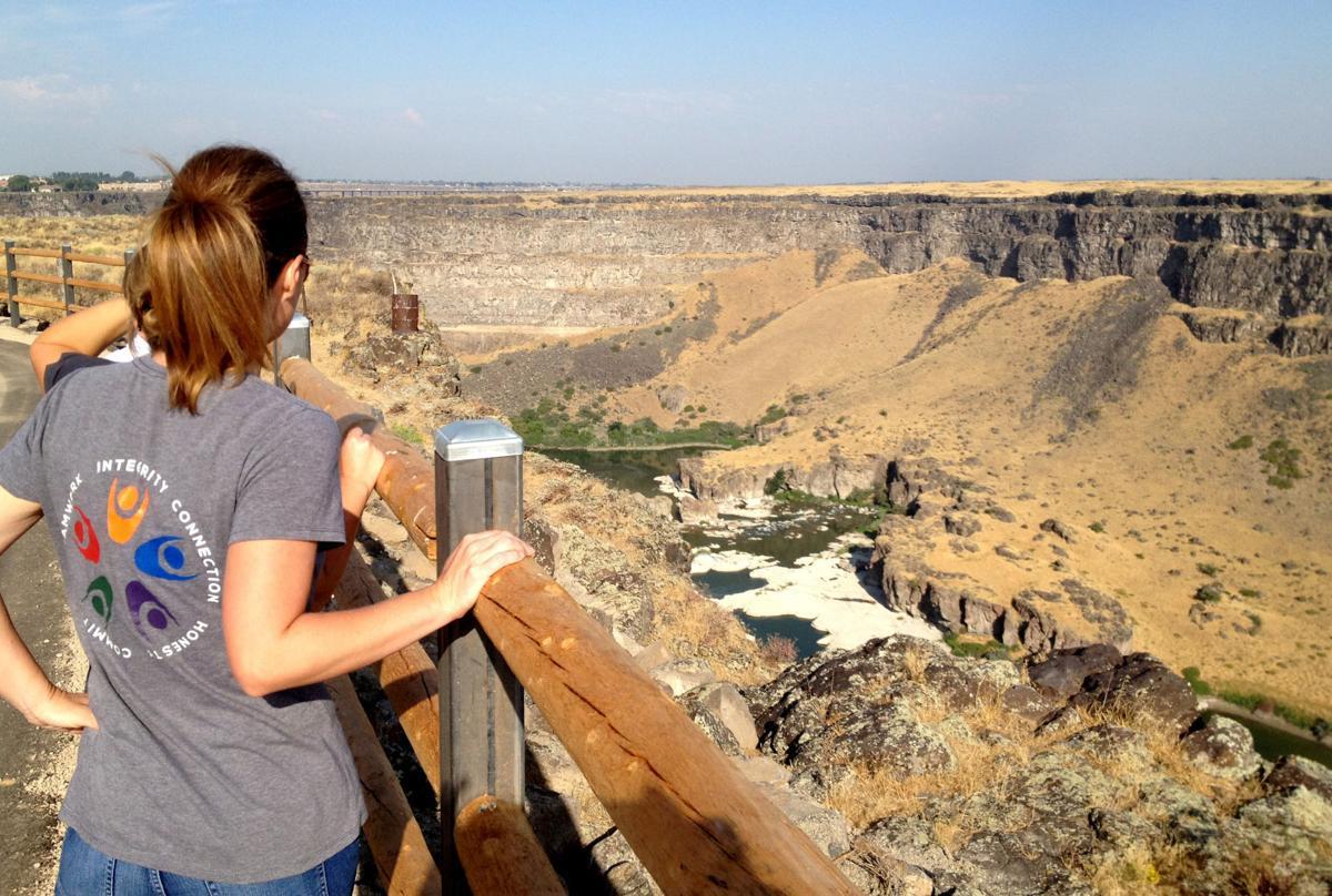 New canyon-rim trail