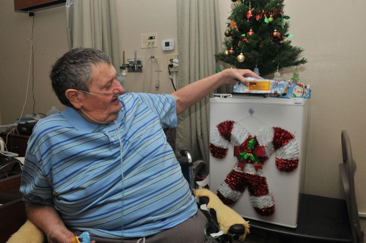Burley Couple Bring Holiday Joy to Assisted Living Residents