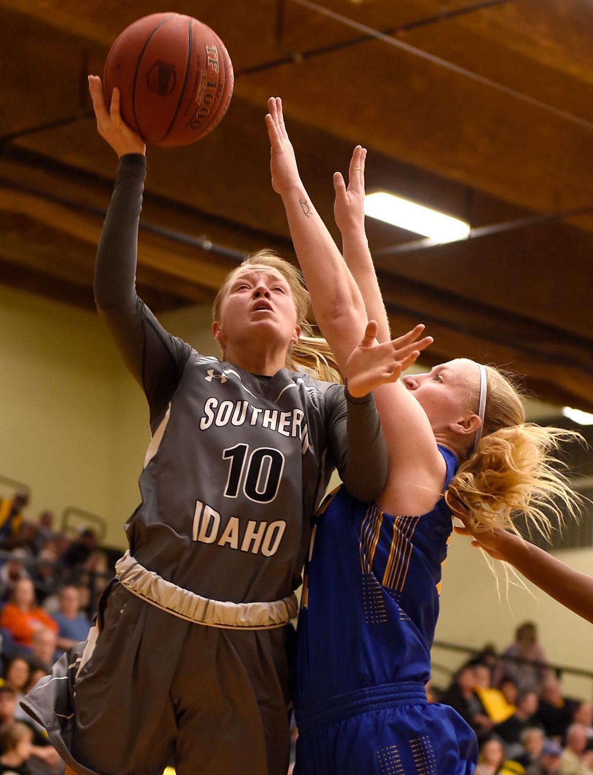 Womens Basketball - SLCC Vs. CSI
