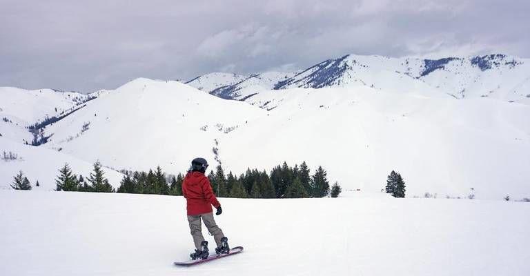 Soldier Mountain snowboarder