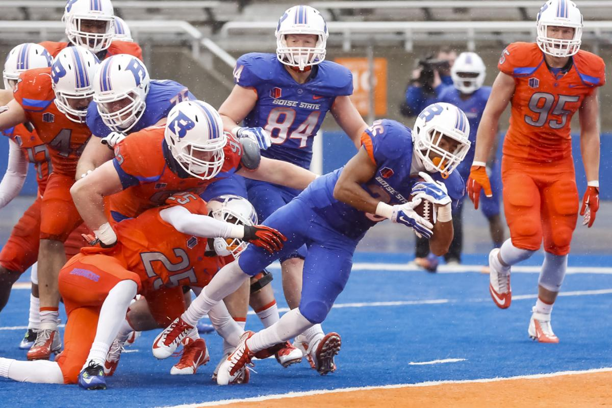 d7da38bf6 Boise State's Devan Demas scores a touchdown during the team's NCAA college  spring football scrimmage in Boise, Idaho, Saturday, April 11, 2015.