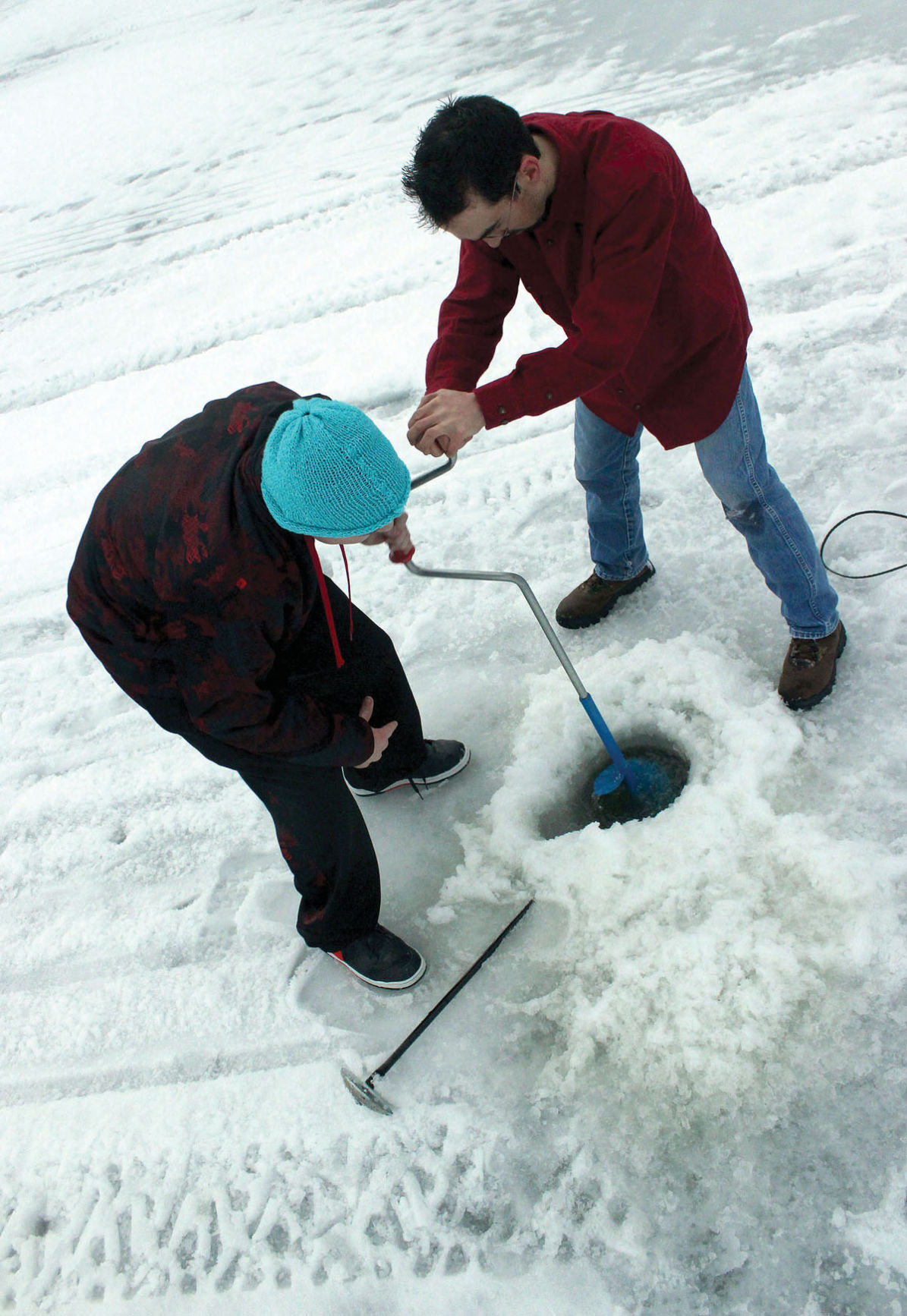 Magic reservoir ice fishing tourney goes ahead outdoors for Ice fishing tournament