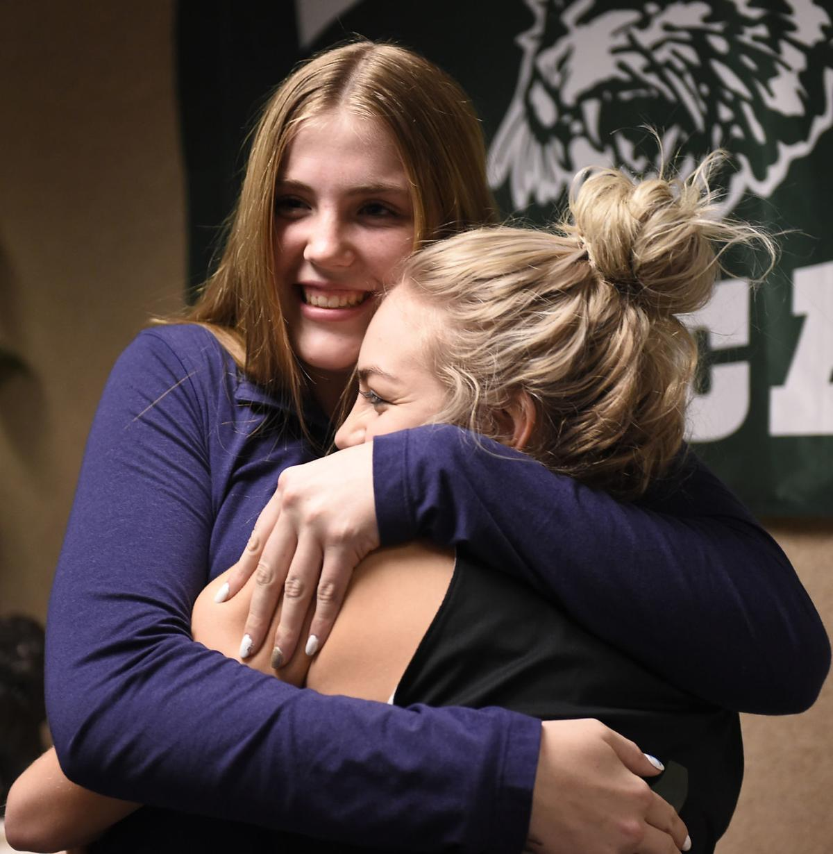 Burley's Tolman signs with BYU volleyball