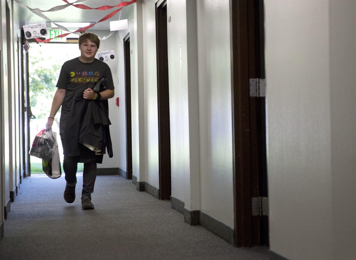 CSI students move into dorm