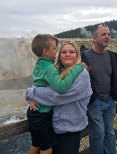 FBI wants Yellowstone tourist photos to help search for kids