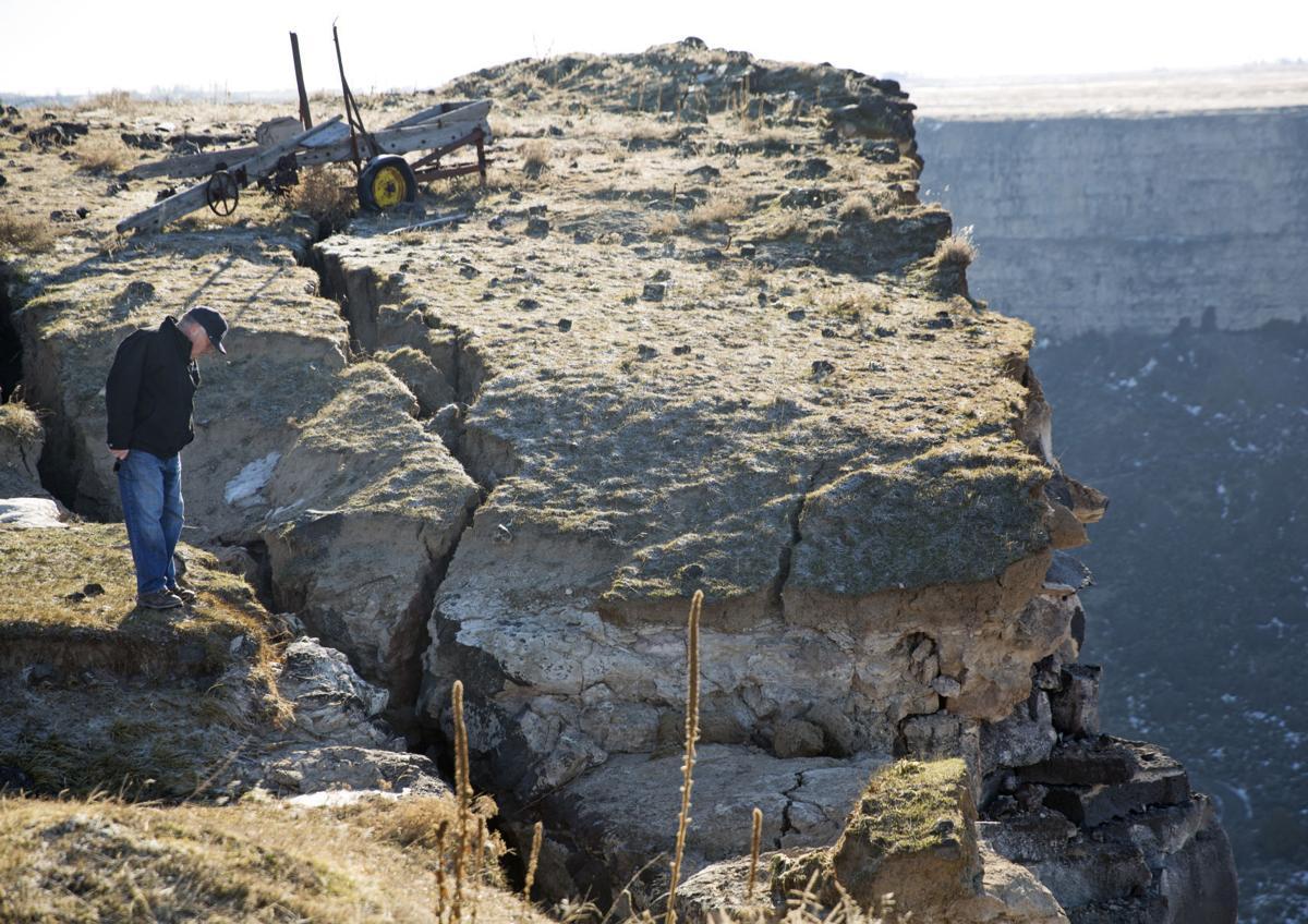 Canyon rim collapse