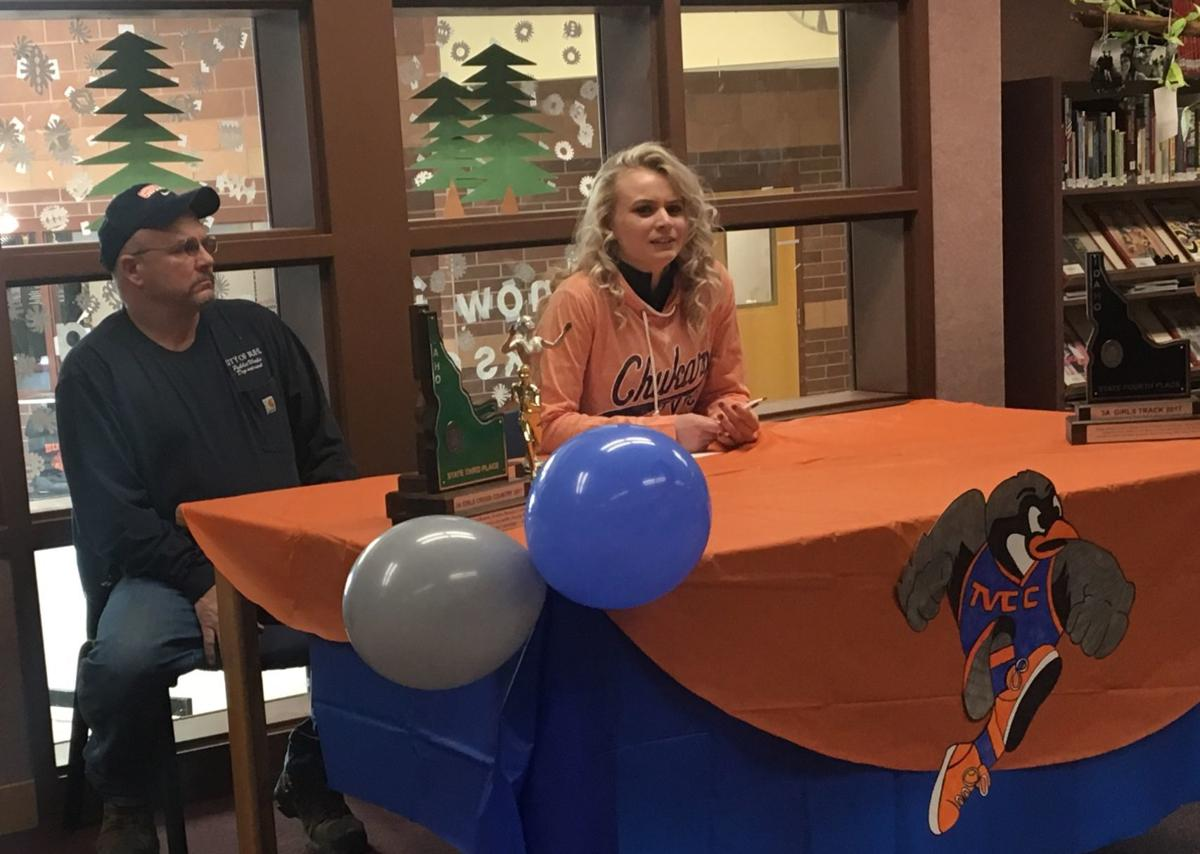 Carlee Finney signing