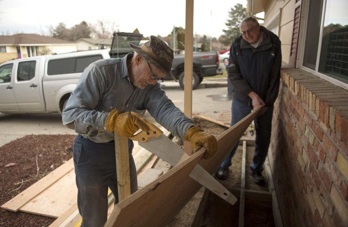 Neighbors raise money for wheelchair ramp