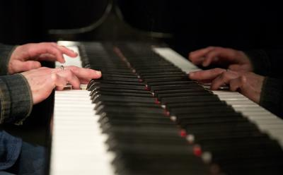 Piano stock