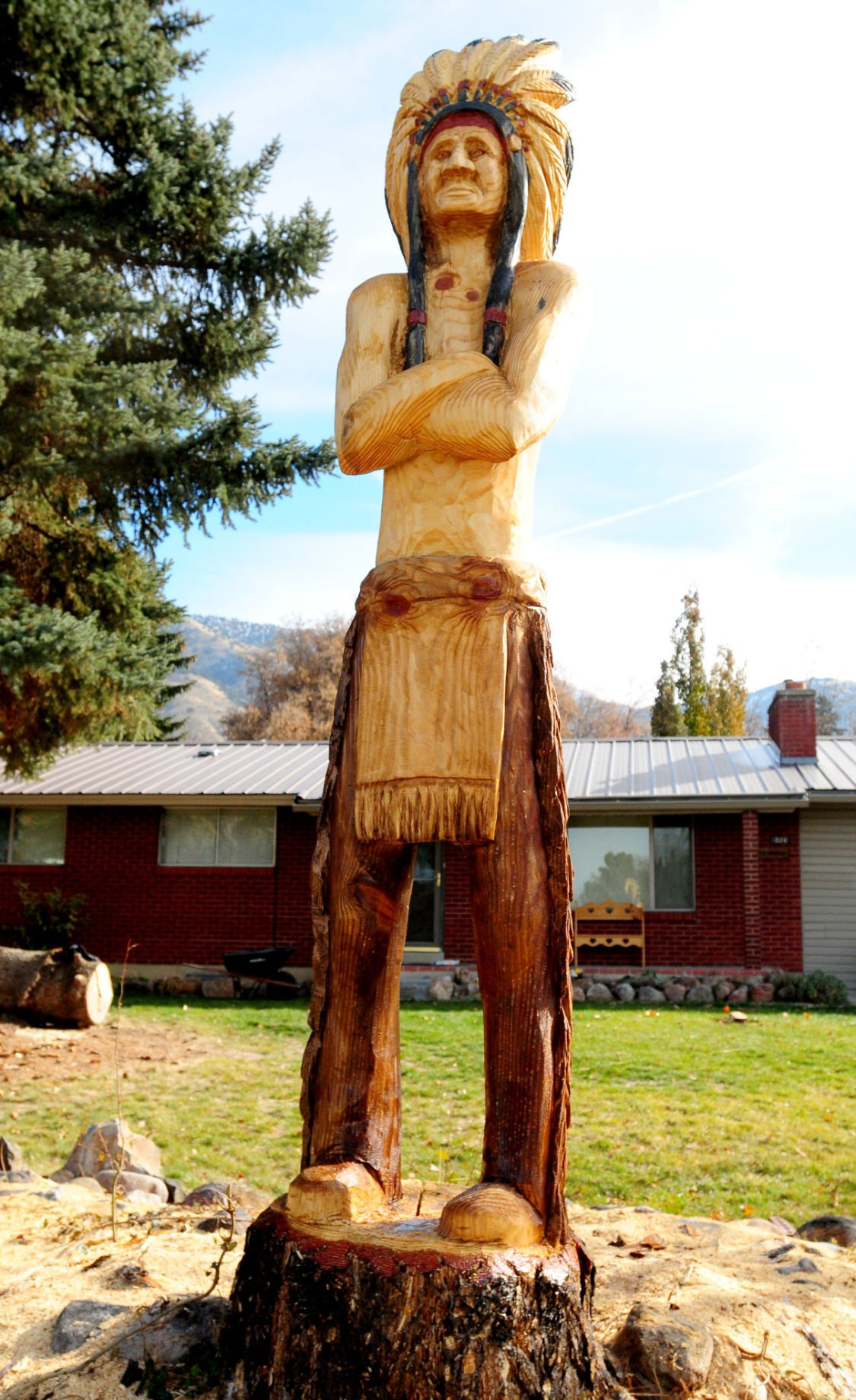 Idaho woman uses chainsaw to create life size sculptures